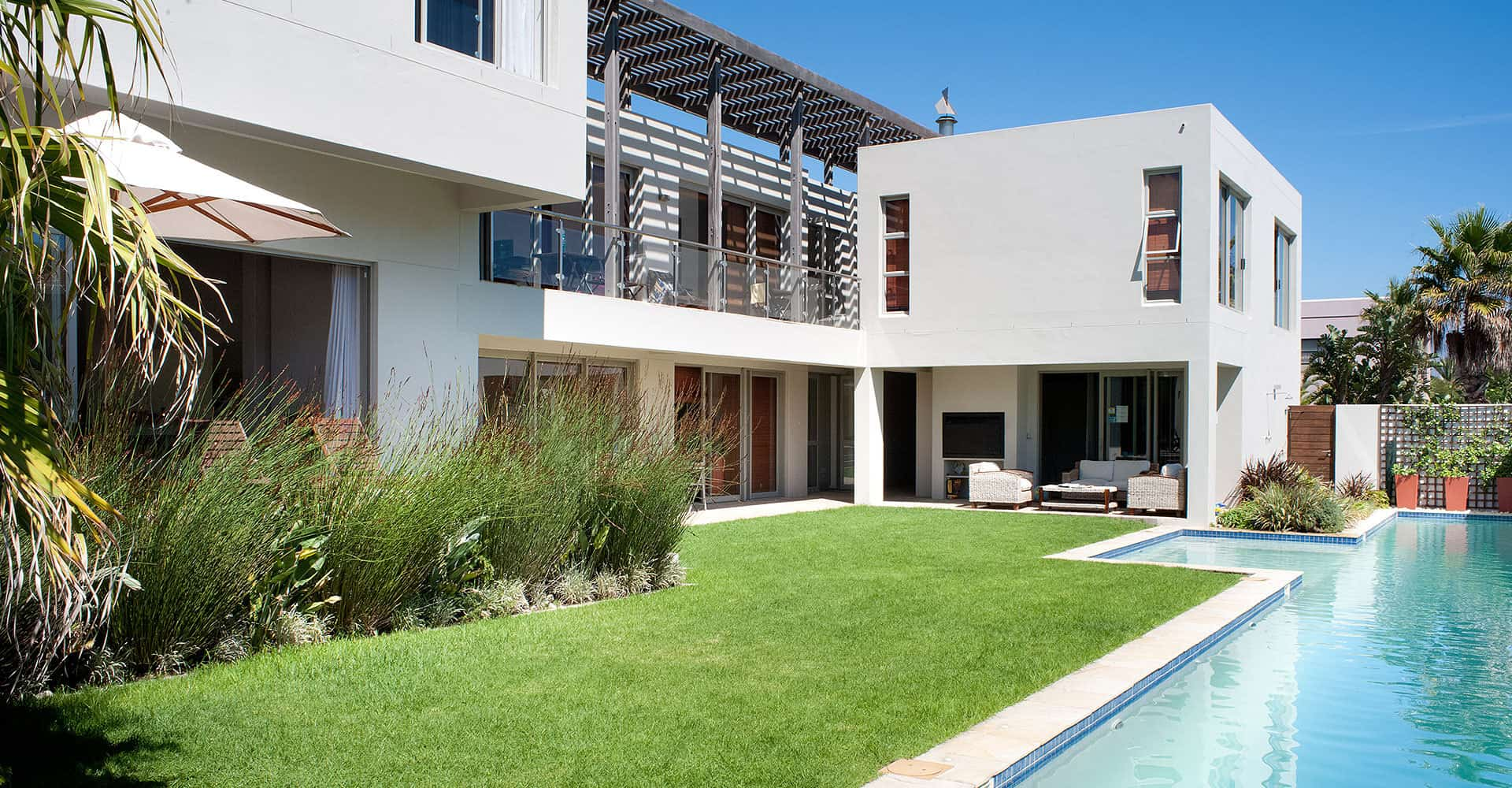 da Heim Guesthouse Pool und Garten