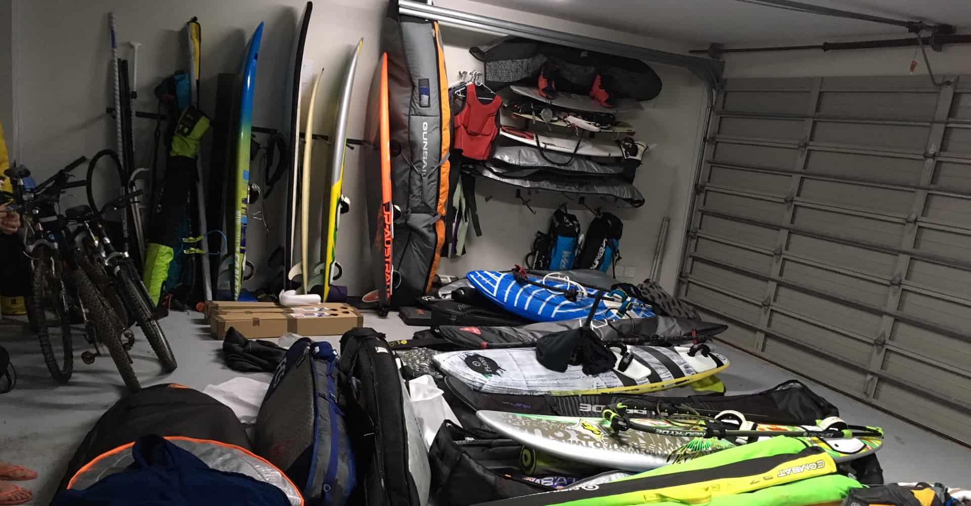 Lager für Sportausrüstung wie Surfboards und Golfbags