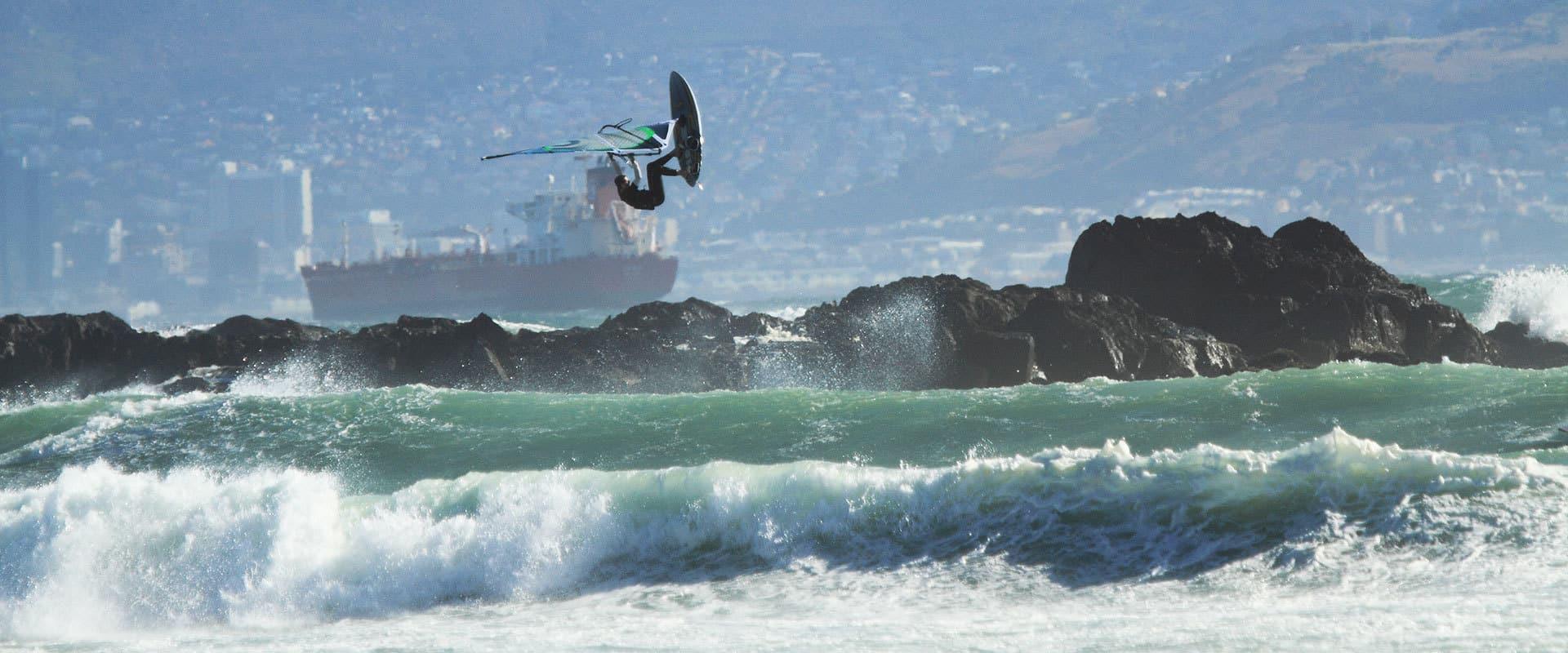 da Heim Sunset Beach Wellen und Surfer